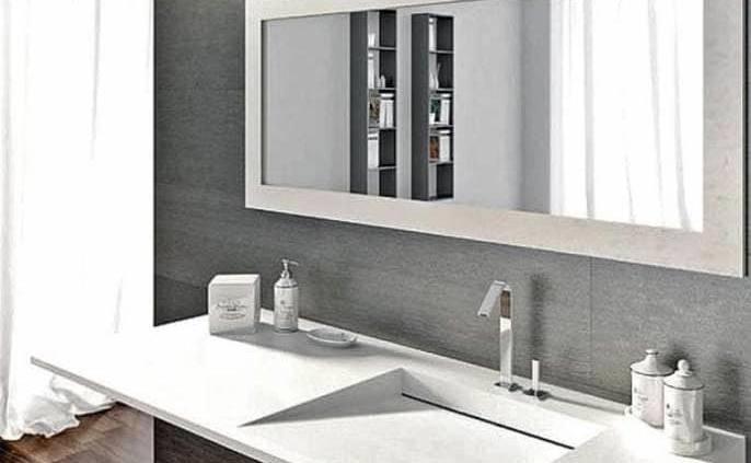 Avec un design résolument essentiel, le plan-vasque Flow se définit par une coupe horizontale sculptée, drainant l'eau. Une forme exclusive insufflée par le matériau composite Tekhnos, proposant 5 nuances : pur blanc, ivoire, pierre de Pietra Serena, bronze ou faïence. Distribué par Il Bagno (Lyon 3ème)