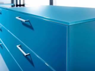 Plan en verre dépoli, vert bleu. Modèle Largo-FG. ©Leicht distribué par Show Home Concept (Chasse s/ Rhône)
