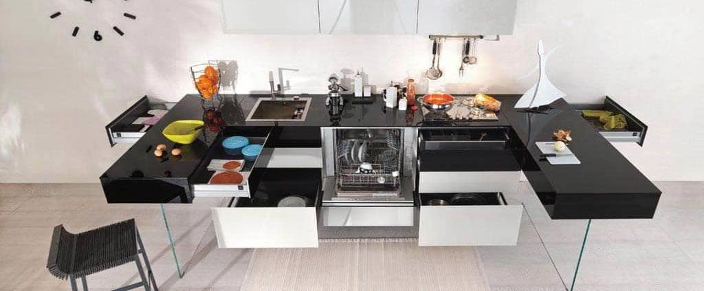 La cuisine Lago 36e8 révèle une innovation en termes de capacité de stockage au sein de modules composables à souhait. ©Lago