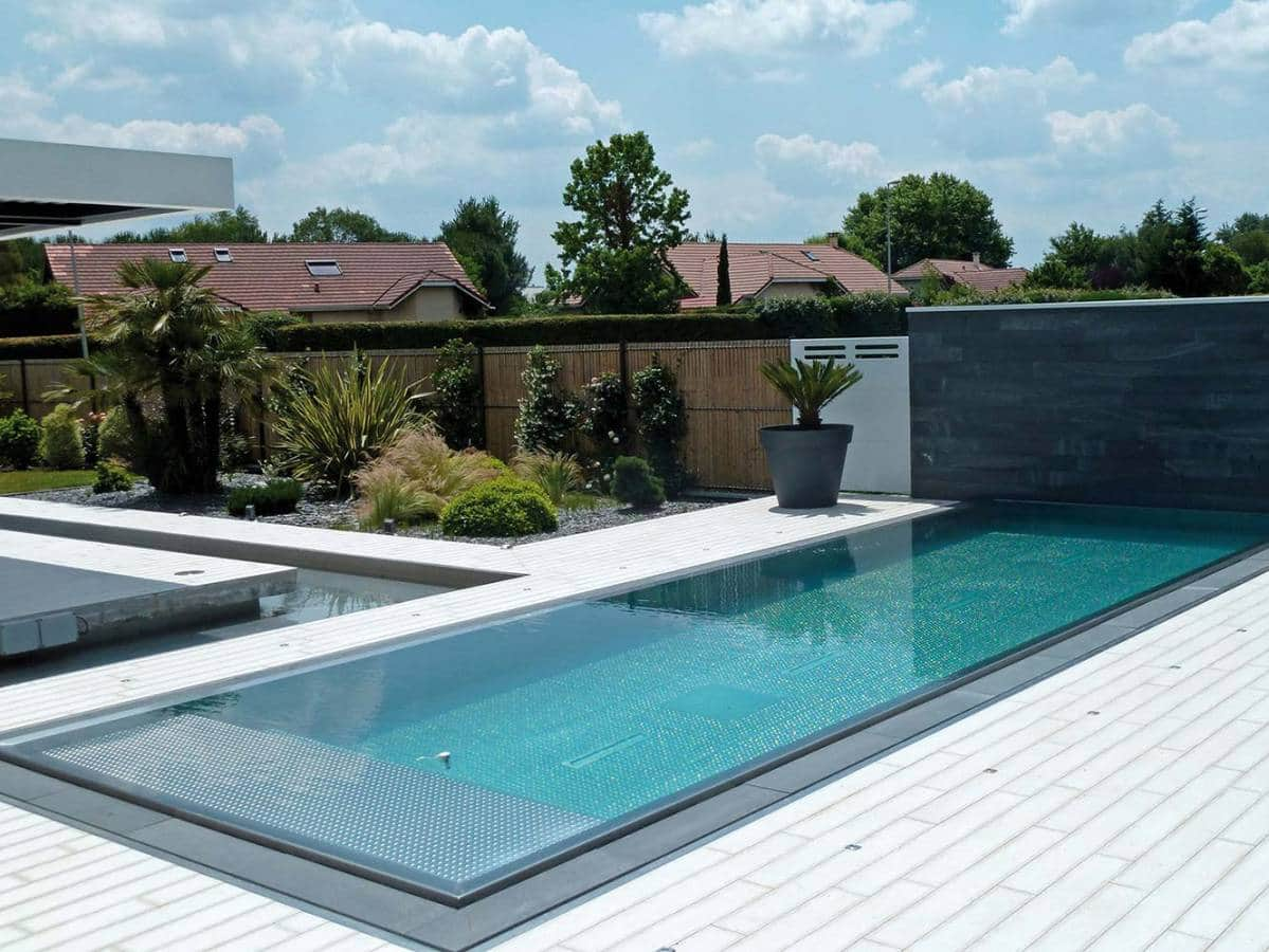Libre de toute expression for Entourage piscine design