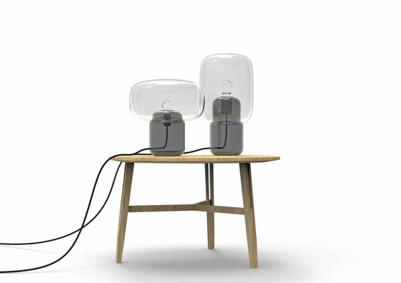 La sélection de la galerie met l'accent sur Sara et Bob, une collection de 2 lampes de table composée de verre soufflé-moulé. ©Galerie S. Bensimon