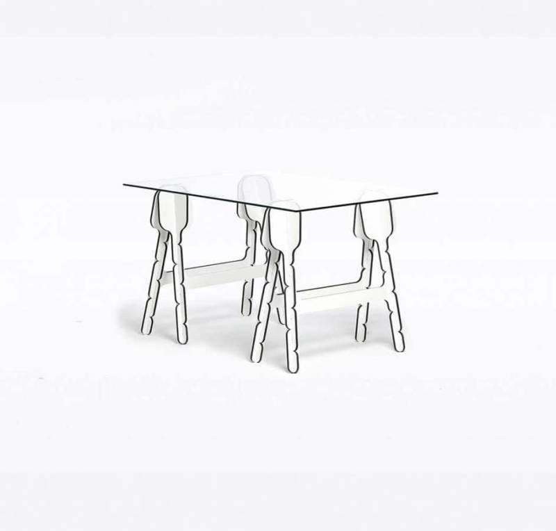 Comme un jeu de construction, celle table vous propose un jeu d'assemblage, avec hauteur variable. Une fois assemblée, la tranche noire graphique ajoute du caractère. En MDF noir stratifié blanc ou gris. Design Raw-Edges. ©Moustache