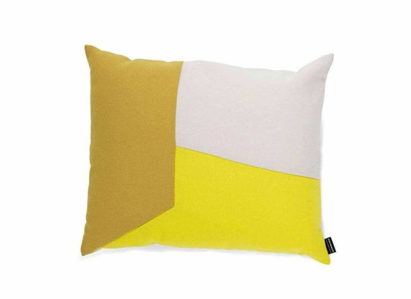 Coussin en tissus Fame & Breeze Fushion de Gabriel. Existe en 9 coloris. ©Normann Copenhagen