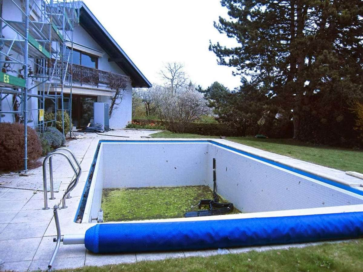 Paradis aquatique for Prix piscine coque a debordement
