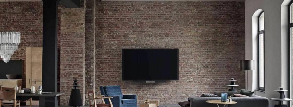 Téléviseur BeoVision Avant version 55, 75 ou 85 pouces. Enceintes BeoLab 5. ©Bang & Olufsen
