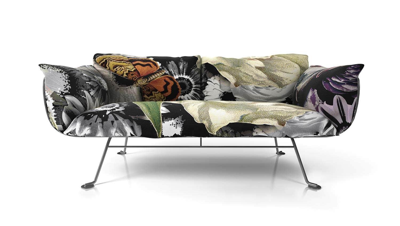 Fraîcheur et gaieté seront vos maîtres-mots avec le Nest Sofa. Structure métallique linéaire, habillé de coussins moelleux en mousse ou mixte plume et fibres. Design Marcel Wanders. ©Moooi