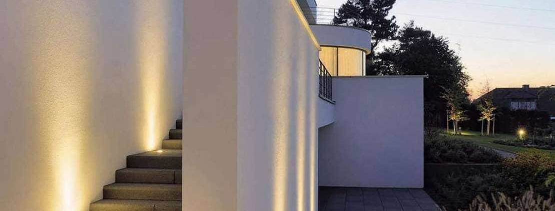 Luminaires de sol encastrés Dasar Module LED, en inox, aluminium et verre. Collerette ronde ou carrée. ©SLV