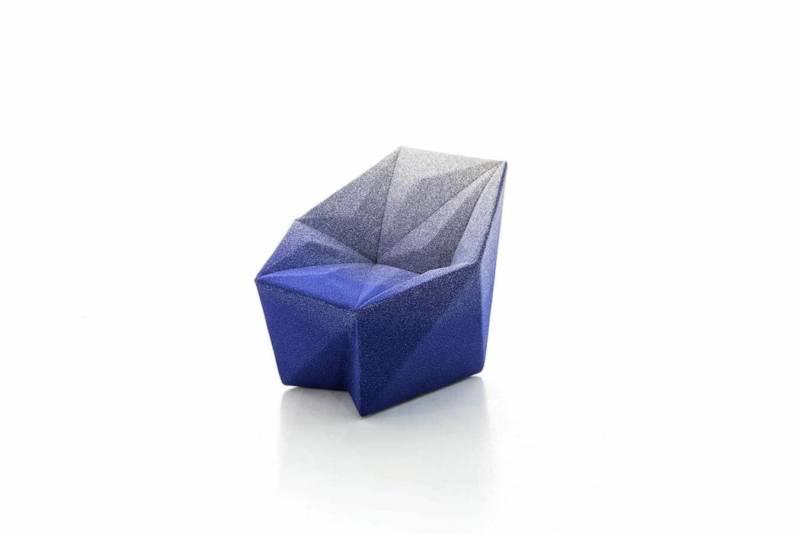 L'architecte Daniel Libeskind signe un exercice d'asymétries angulaires, constituant un paysage architectural. Une vision de contrastes et de perceptions aux formes tridimensionnelles, qui s'oppose à la douceur de l'assise. ©Moroso