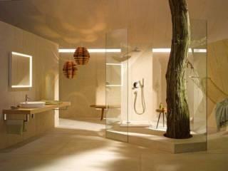 La série Me by Starck vise l'essentiel, avec des vasques millimétriques, minimalistes mais également dans la technologie avec des WC sans bride Rimless et l'abattant de douche SensoWash Slim. Le tout complété par des baignoires, des receveurs et des accessoires, signés Philippe Starck. ©Duravit