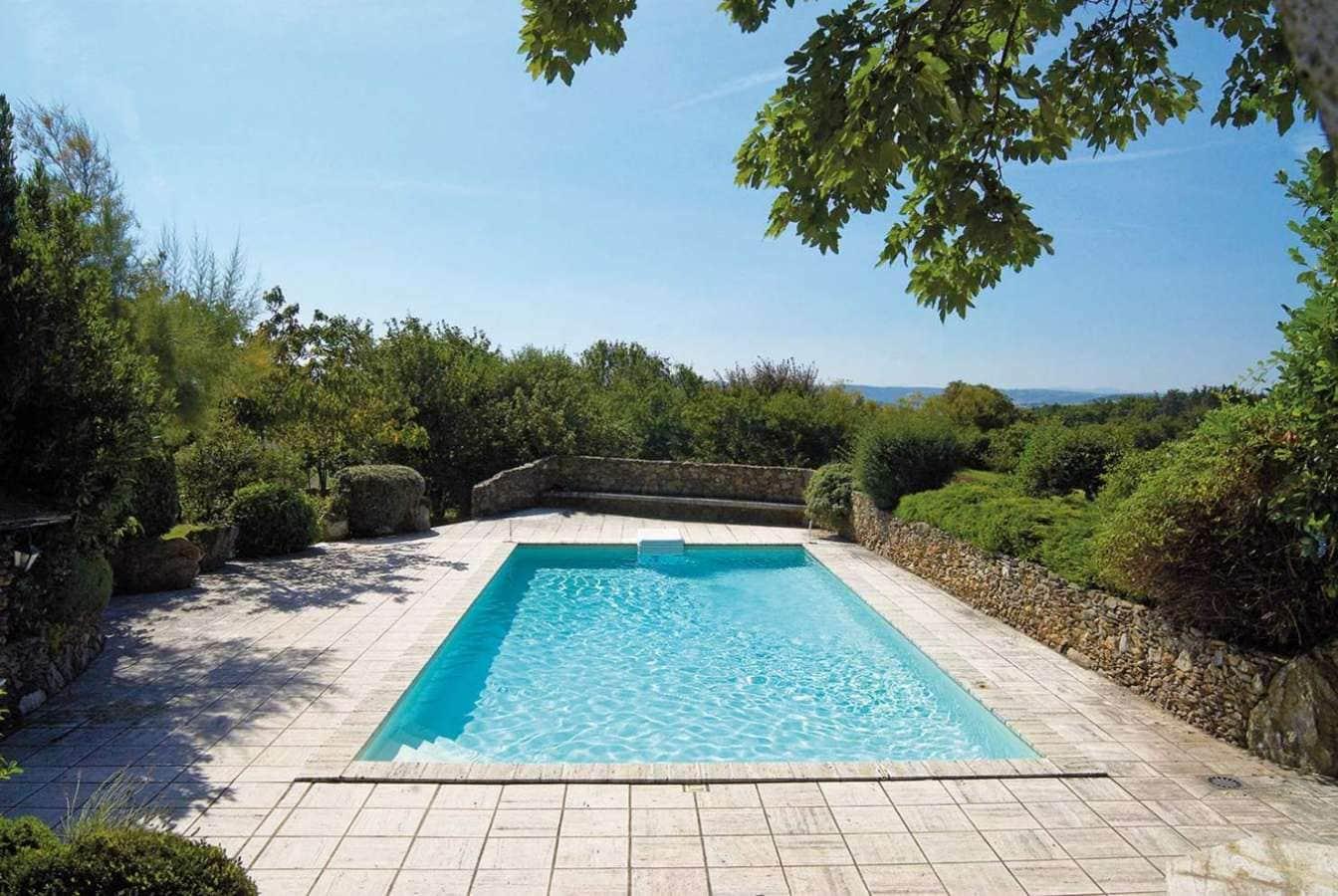 3 r novations de piscine incroyables for Renovation piscine desjoyaux