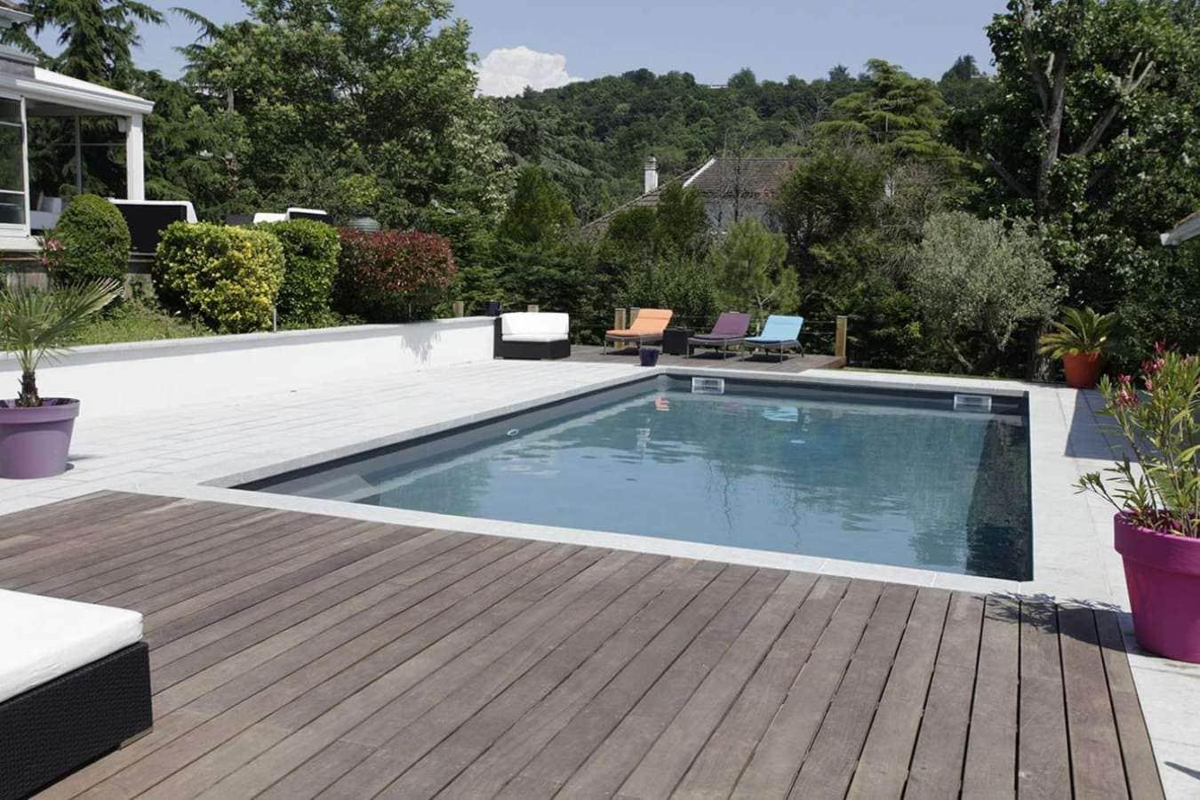 3 r novations de piscine incroyables. Black Bedroom Furniture Sets. Home Design Ideas