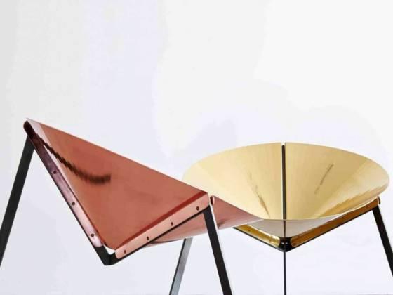 DeCastelli, Pensando ad Acapulco - Un projet qui remet au goût du jour et en version métallique la chaise iconique Acapulco des années 50. Structure en fer qui supporte du cuivre poli et du laiton. Design Ivdesign. ©DeCastelli