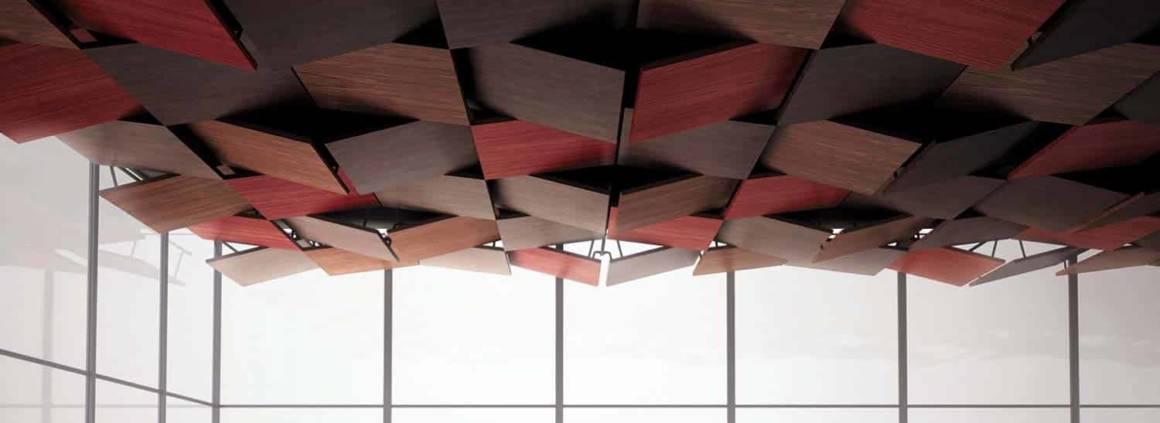 L'entreprise française Oberflex® se distingue par la plus large offre de stratifiés bois au monde. Véritable référence dans le domaine de la décoration et de l'architecture, avec une palette exponentielle de panneaux décoratifs, c'est tout naturellement que la société s'est intéressée aux plafonds, avec la collection Tectonique imaginée par 5.5 Design Studio. Comme son nom l'indique, elle s'inspire du mouvement de la tectonique des plaques qui crée le relief de notre planète. « Tout bouge en profondeur, tout change en surface ». Résultat : une collection qui forme des paysages zénithaux qui se réinventent au gré des réalisations. Ambiance Glissement. ©Oberflex®