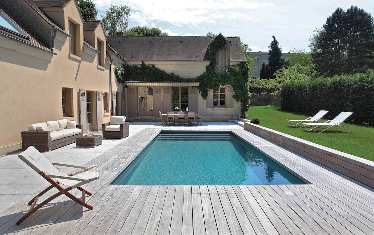Piscine et spa 2016 living pool for Piscine semi enterree desjoyaux