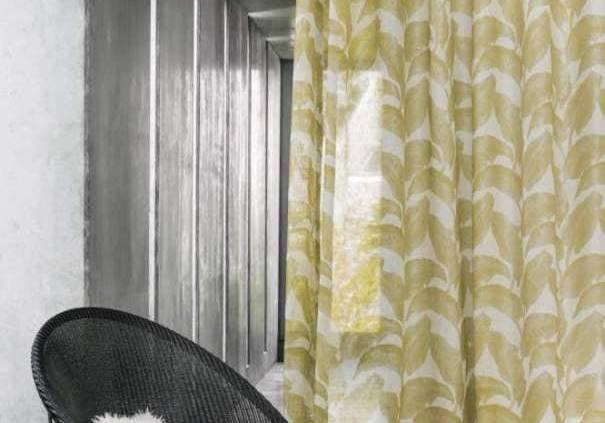 Collection Escapade, modèle Castillo Jaune Or, inspiré de la lumière du lever du jour. 100 % lin.