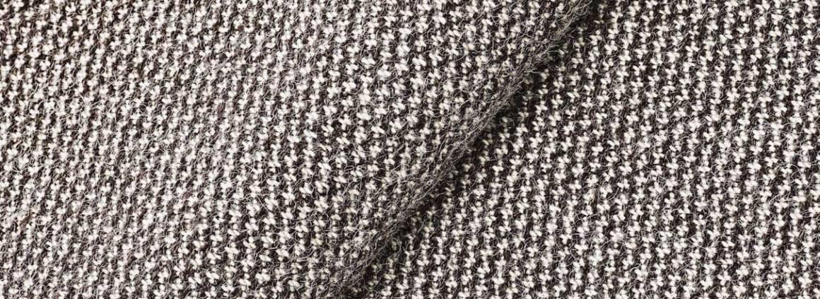 Collection Molly, tissus confectionnés en fil de laine cardé norvégien et en fil peigné néo-zélandais. Design Åsa Pärson.