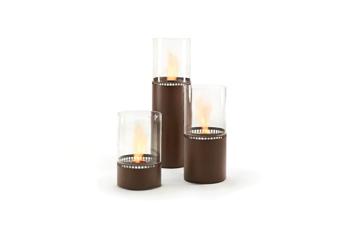 Lighthouse - Pour illuminer vos soirées comme il se doit, les cheminées bio-éthanol disponibles en 3 tailles 150, 300 et 600 mm attirent les regards. En acier finition Corten, elles posent le décor. ©EcoSmart Fire