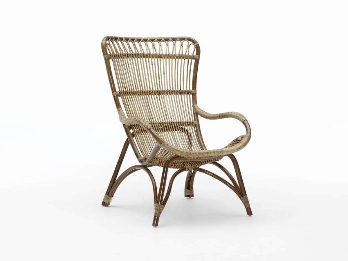 Sika Design - Monet - Ce fauteuil vintage se dote d'une structure en rotin naturel, tressé à la main. Il est disponible dans les quatre coloris Antique, Taupe et Noir mat et peut être complété par un repose pied. ©Sika-Design