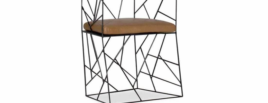 Baxter, Cracklé - Premier projet complet outdoor, avec fauteuils et accessoires, dont cette structure en fer et cuir cognac pensé pour l'environnement extérieur. Design Antonino Sciortino. ©Baxter -