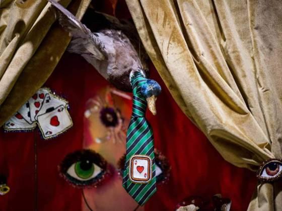 Installation créée par Pascale Nivet-Bernetière (marque Céleste Mogador), pour l'Espace d'Inspirations House of Games imaginé par Vincent Grégoire (NellyRodi) - Pièces uniques brodées à la main. Photographe Anne-Emmanuelle Thion. ©Maison&Objet