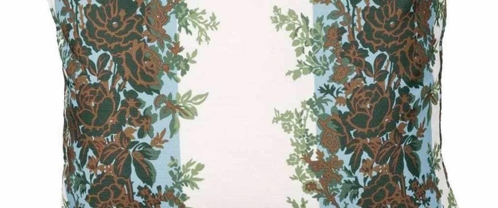 Tectona – Coussin rayure fleurie tissu créé par Madeleine Castaing et réédité par Edmond Petit. 40 x 47 cm.