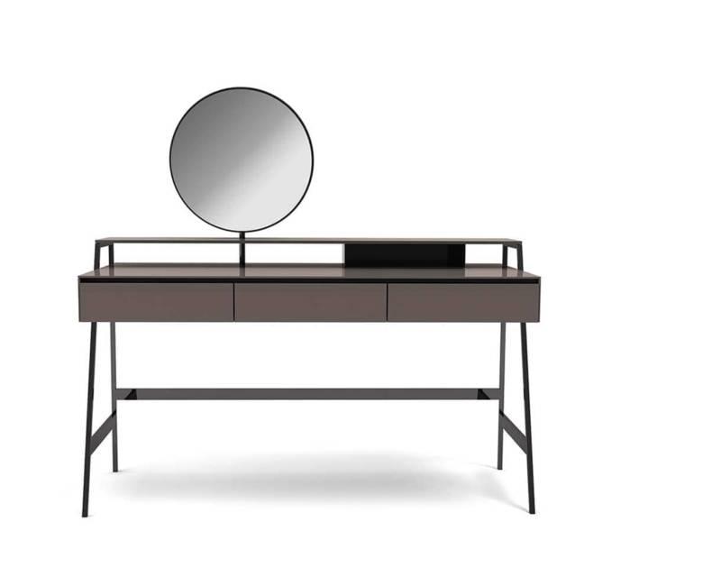 Coiffeuse Venere en bois et verre peint. Miroir avec rotation de ø 50 cm. Structure en métal poli. Design Carlo Colombo. H 86 x P 60 x L 120 cm. ©Gallotti & Radice