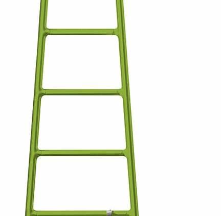 Sèche-serviettes Scaletta (littéralement Échelle), en aluminium. En version nomade H 104 x L 51 x P 29 cm. Coloris Greenery, couleur 2017 Pantone®. ©Tubes