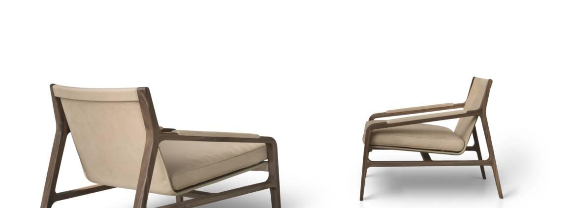 Alivar, Margot - Fauteuil avec cadre en bois et assise en cuir rembourrée en plume. Coque en acier. Design Bavuso Giuseppe. H 70 x L 71 x P 83 cm. ©Alivar