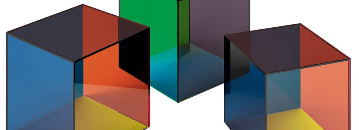Cappellini, Luce - Collection de tables en verre feuilleté extra-clair de couleur, disponibles en 3 tailles. Design Giulio Cappellini & Antonio Facco. ©Cappellini