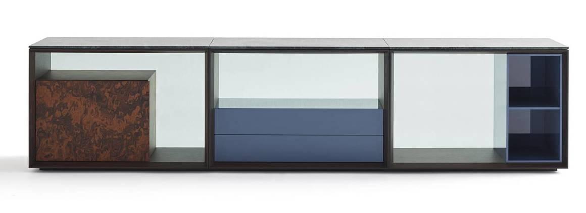 Knoll, Matrioska Credenza - Crédence conçue comme un meuble de rangement, avec des éléments ouverts ou fermés : casiers, étagères et boîtes, en marbre, verre et bois. Design Piero Lissoni. ©Knoll