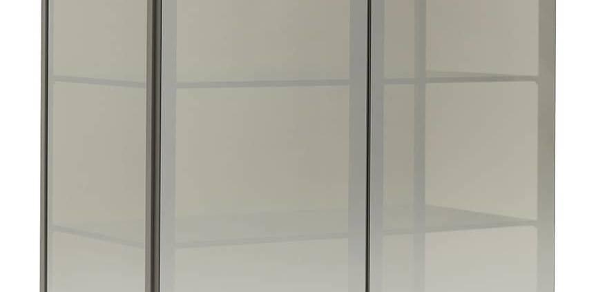 MisuraEmme, Kessler Storage - Buffet en métal et verre transparent gris fumé. Finition intérieure laquée mate. Design Mauro Lipparini. L 976 x P 513 x H 1526 mm. ©MisuraEmme