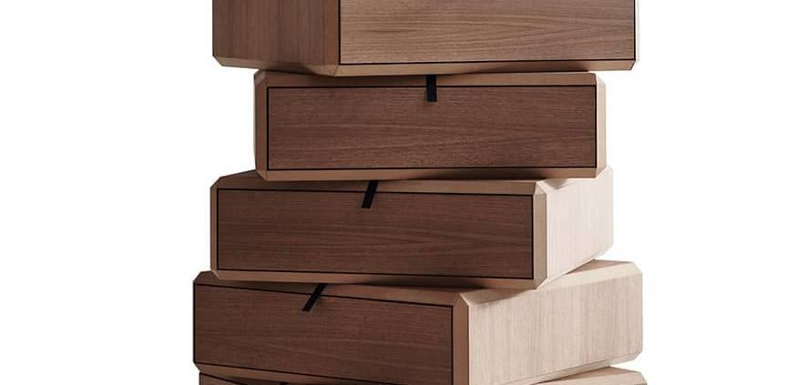 Molteni&C, Teorema - Modules superposés pour créer des tables de chevet, des commodes, des compositions linéaires ou désaxées. Panneau en noyer américain, plié comme un origami. Design Ron Gilad. ©Molteni&C
