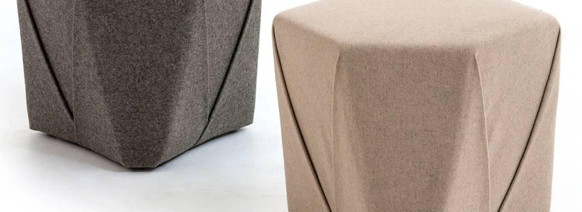 Moroso, Hannah-Kit - Dans la même veine que la table Hannah-kit, le pouf inspiré de l'origami est composé d'un seul et même morceau de tissu. Design Eugene et Anne Timerman. ©Moroso