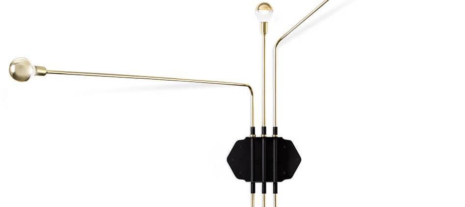 Sollos, Tent - Applique composé de tubes en laiton et accroche en acier carbone peint en noir. 253 x 157,5 x H 47 cm. ©Sollos
