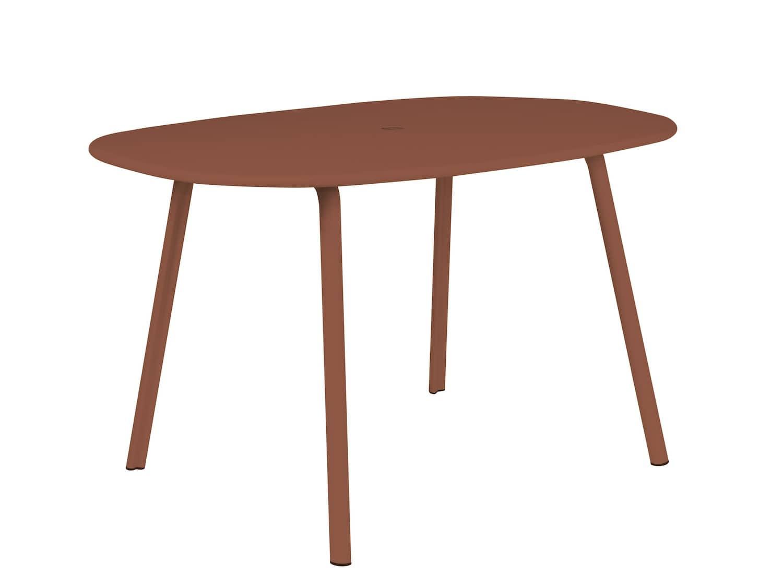 Table Alumi, en aluminium mat, pour 4 personnes. P 85 x H 73 x L 125 cm. Design Industrial Facility Sam Hecht. ©Tectona