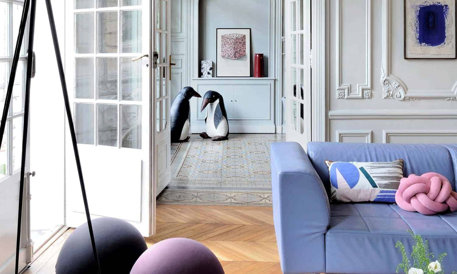 un appartement haussmannien r habilit par l 39 architecte isabelle bouchet. Black Bedroom Furniture Sets. Home Design Ideas