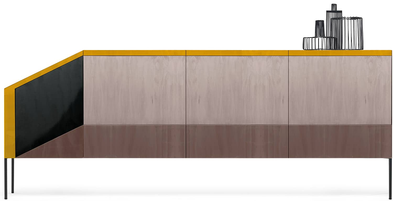 Cabinet Ritratti en bois stratifié, finitions résine mate et brillante. Design Marzia & Leonardo Dainelli. L 215 x P 52 x H 75 cm. ©Mogg