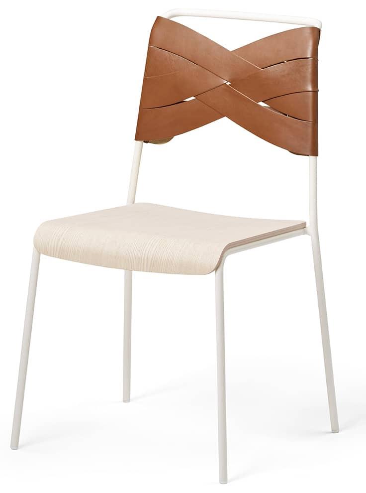 DSH, Torso - Chaise avec assise en chêne et dossier en cuir cognac, style corset. H 83 x L 52 x P53 cm. Design Lisa Hilland. ©Design House Stockholm