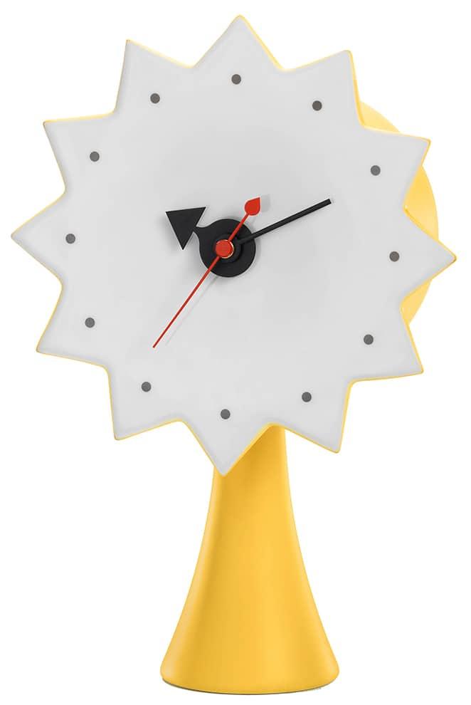 Vitra, Ceramic Clock - Horloge en porcelaine émaillée et aiguilles en tôle d'acier Model #2. Mécanisme à quartz. H 22,5 x L 15,5 x P 9,5 cm. Design George Nelson, 1953 ©Vitra