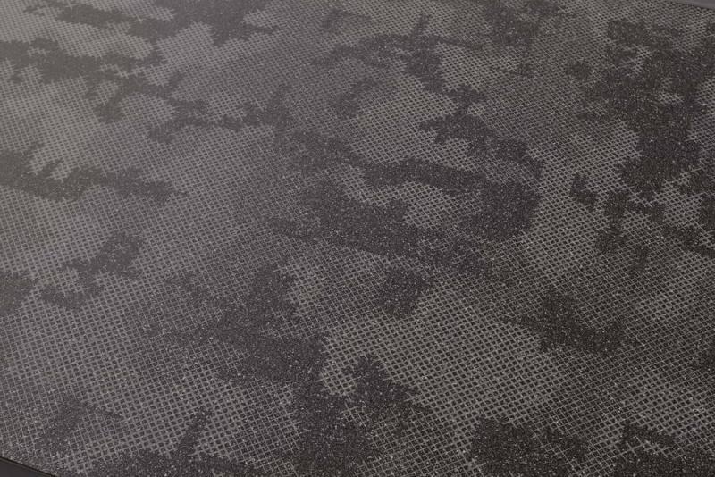 Céramique Nube Black, collection Cover, utilisant le méthode de sérigraphie. 120 x 120/240 ou 30 x 120 cm. Design Patricia Urquiola. ©Mutina