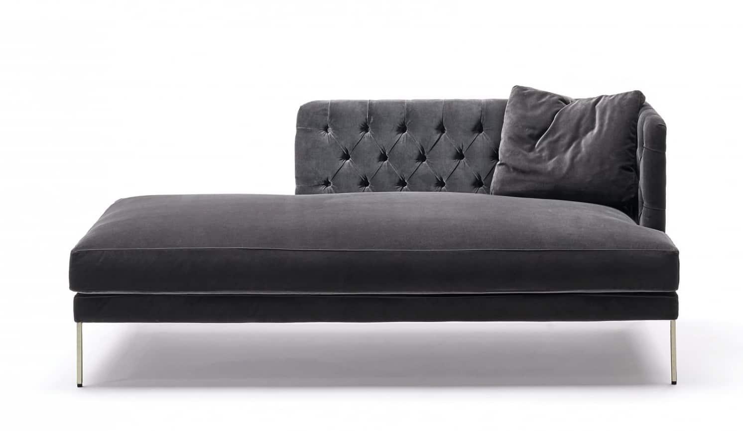 Living Divani, Lipp - Dormeuse avec structure en acier tubulaire verni couleur brunie. Revêtement velours capitonné. 180 x 80 x 75 cm. Design Piero Lissoni. ©Living Divani