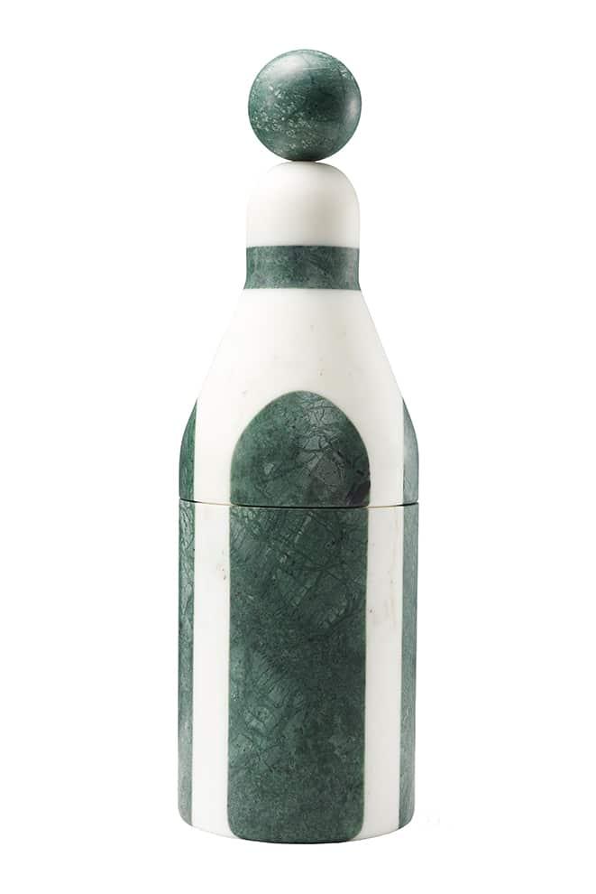 Editions Milano, Coolers B - Refroidisseur de bouteilles préservant naturellement la température. En marbre vert du Guatemala et verre en laiton. ø 12,4 x H 40 cm. Design Pietro Russo. ©Editions Milano