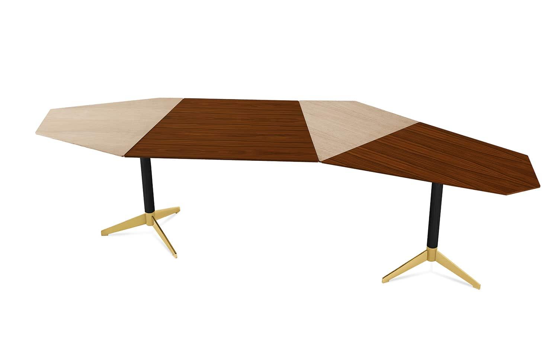 Gallotti&Radice, Zen - Table/bureau avec plateau en frêne et palissandre. Piètement en aluminium brossé à la main et anodisé noir avec détail laiton brillant. Design Massimo Castagna. L 275 x P 73/107 x H 74,5 cm. ©Galloti&Radice