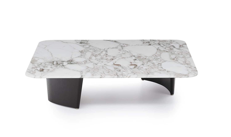 Minotti, Song - Table basse en frêne massif brossé et peint en noir, plateau en marbre Calacatta. 110 x 59 x H 36 cm. Design Rodolfo Dordoni. ©Minotti