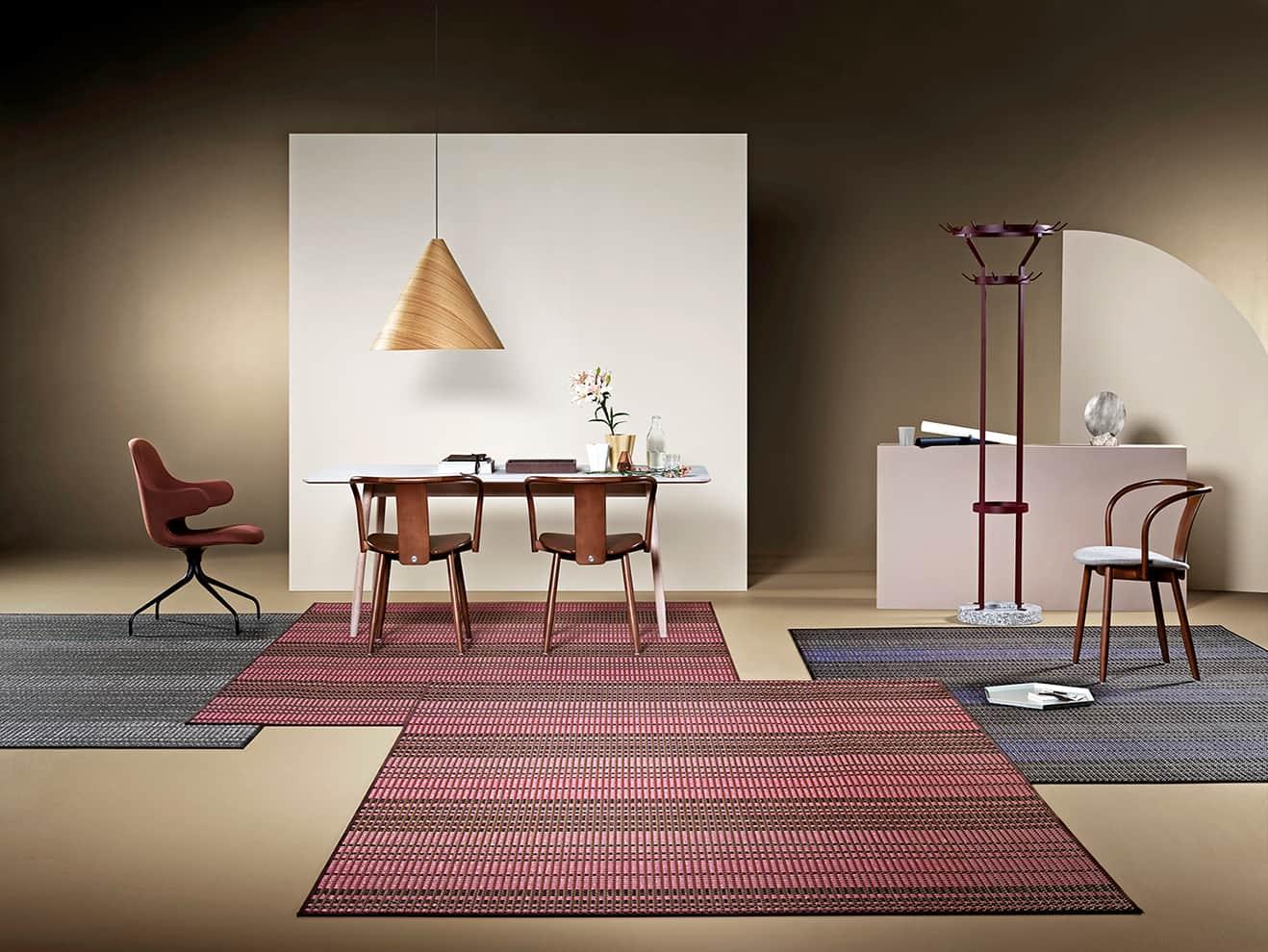 Bolon, Villa La Madonna - Première collection de tapis aux motifs géométriques colorés, mélangeant fils de vinyle et de coton. 3 x 2 m. ©Bolon