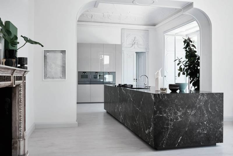 La cuisine N_Elle revisite le monolithe Cesar
