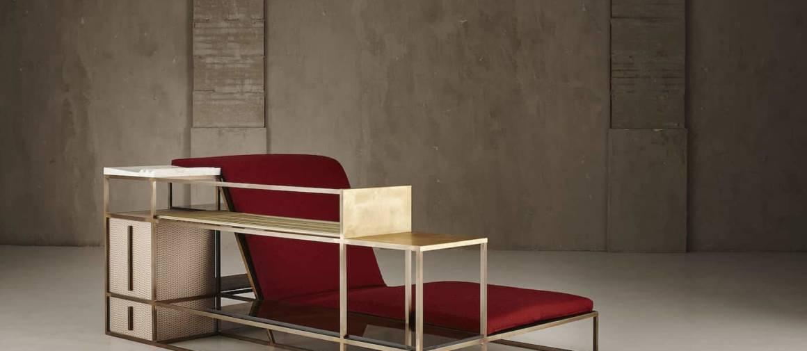 Living in a Chair est un module métallique dédié à la lecture et la détente, accueillant des étagères en laiton, bois et marbre et une méridienne visant une sensation d'apesanteur. Photographe Studio Rocci