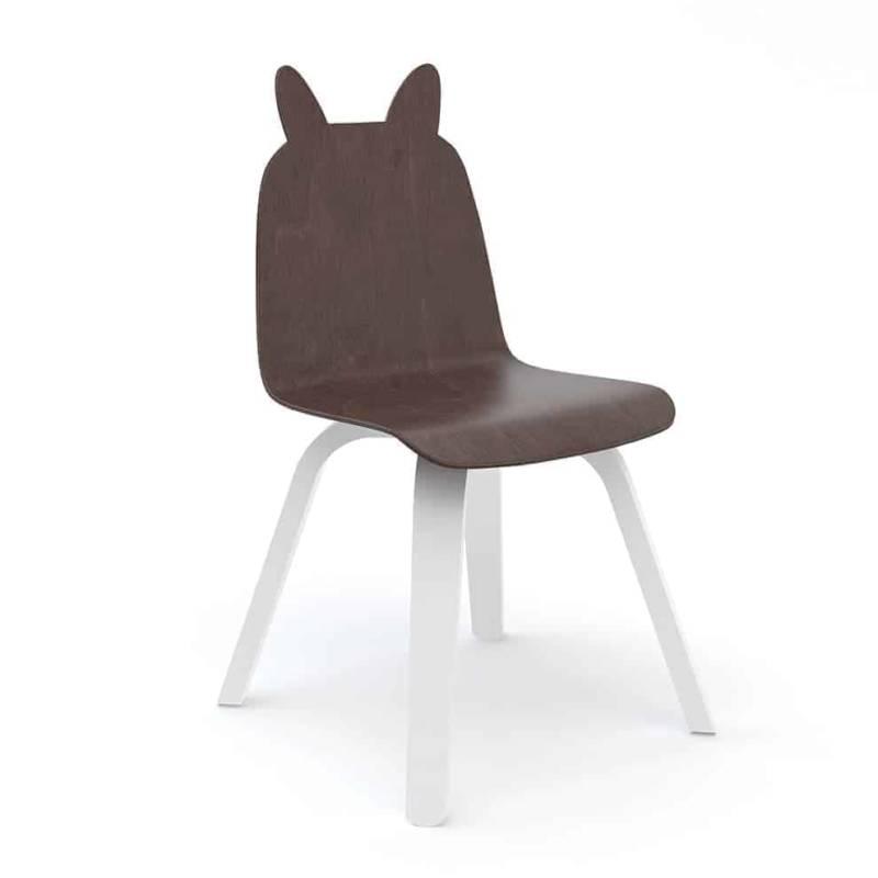 Chaise Bear Play, en contreplaqué de bouleau. H 61 x L 29,8 x P 25,5 cm. À customiser avec des stickers. ©Oeuf NYC