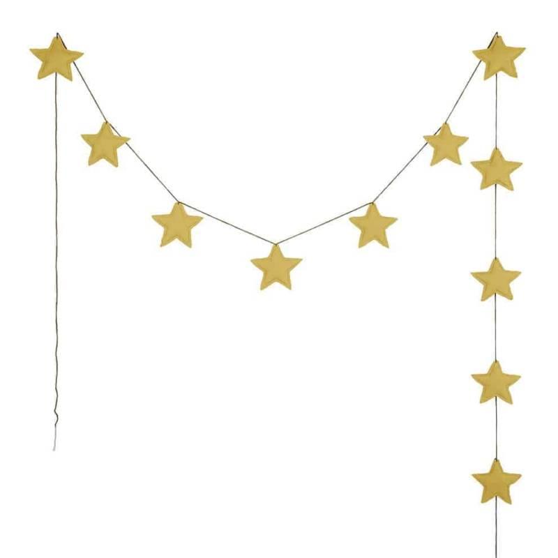 Guirlande Mini Star Garland, avec 11 étoiles molletonnées assemblées par un fil tricoté à la main. 100 % coton biologique. ©Numéro 74