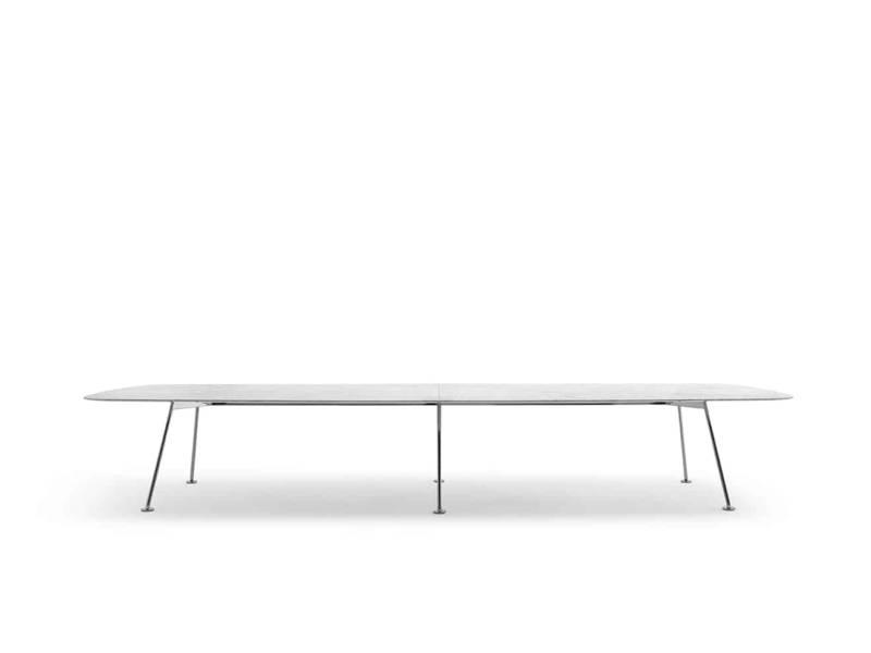 Table Grasshopper, en marbre fin et pieds en acier. Jusqu'à 5 mètres. Design Piero Lissoni. ©Knoll